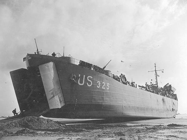 395 0001 9 1 LST 325 Normandy